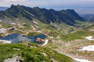 В Украине ввели онлайн-регистрацию туристов, идущих в горы