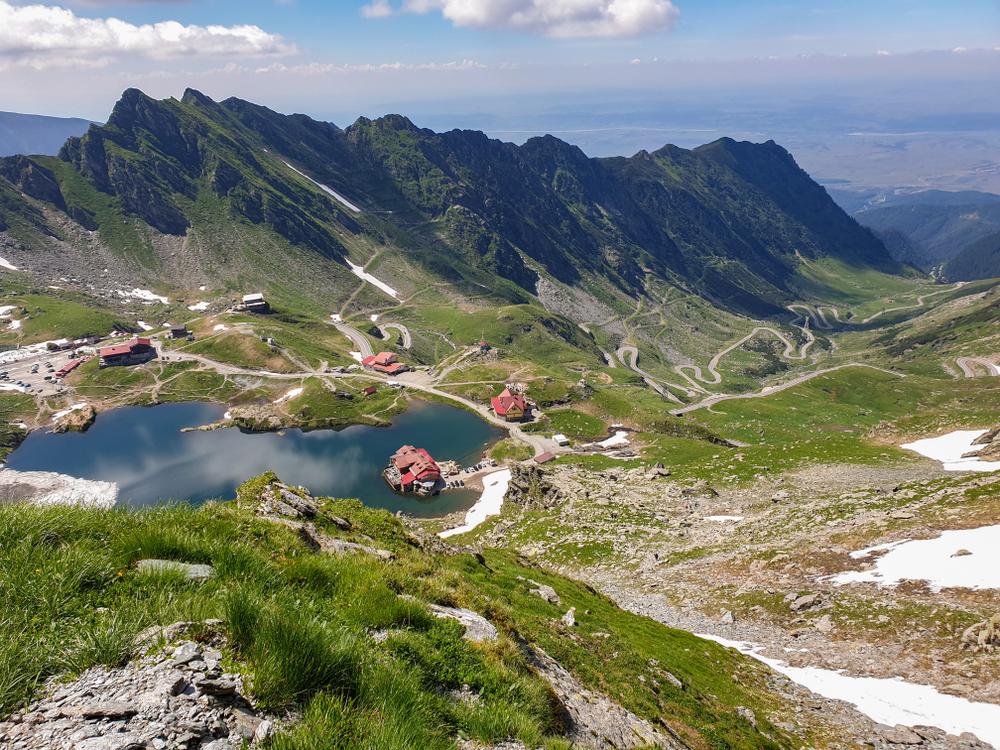 В Украине ввели онлайн-регистрацию туристов, идущих в горы.Вокруг Света. Украина