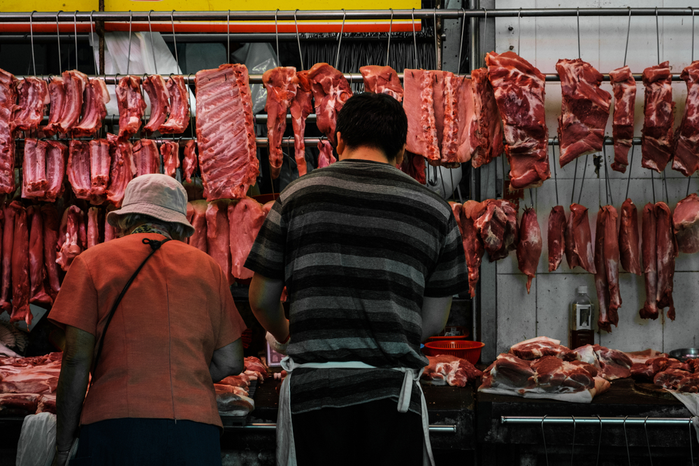 Китайцы строго ограничат ассортимент мясных блюд