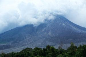 74 тысячи лет назад люди пережили извержение супервулкана
