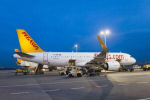 В Стамбуле самолет сел с потерявшим сознание пилотом