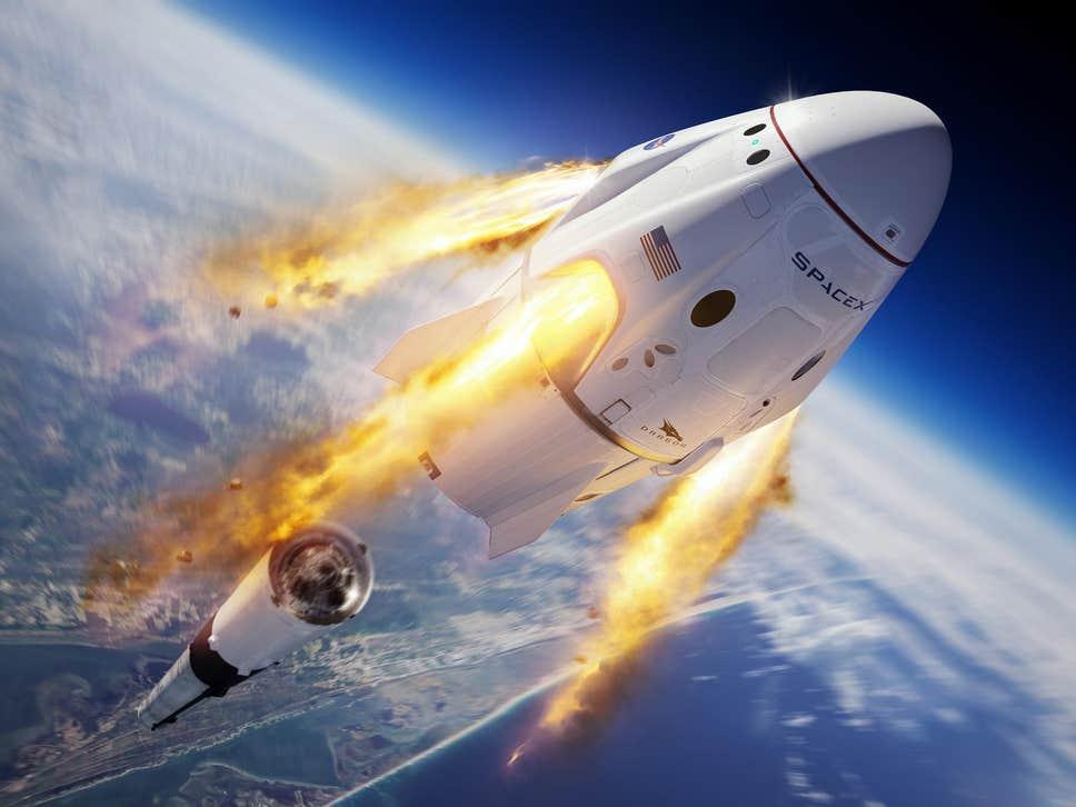 SpaceX прокатит четверых туристов на Crew Dragon.Вокруг Света. Украина