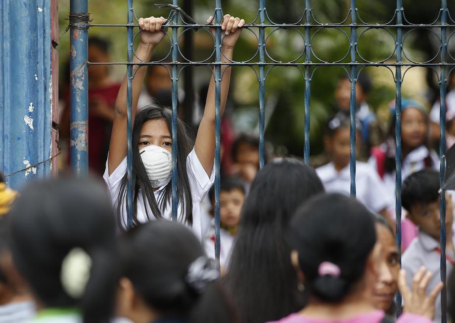 Новости коронавируса: 17 000 заболевших, забастовка медиков Гонконга и запуск больницы