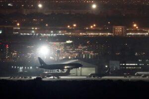 В Испании у пассажирского самолета в воздухе развались шасси