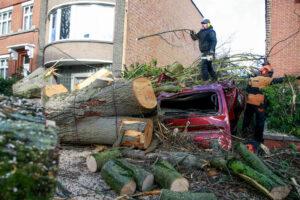 На Европу обрушился сильнейший в ХХI веке ураган