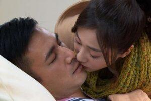 На Тайване из кино вырезают поцелуи из-за коронавируса