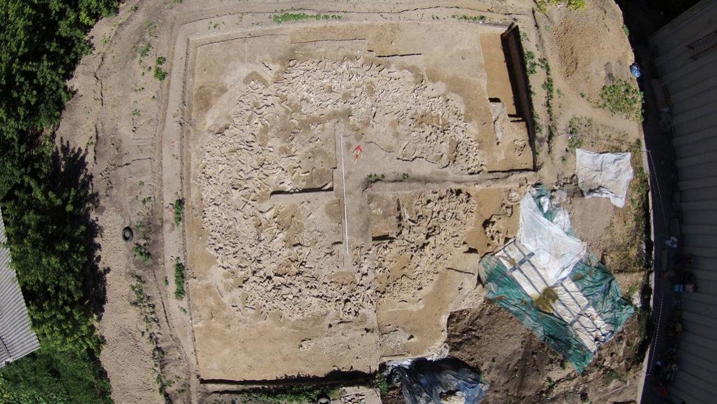 Ученые выяснили предназначение загадочной 20000-летней конструкции из черепов мамонтов.Вокруг Света. Украина