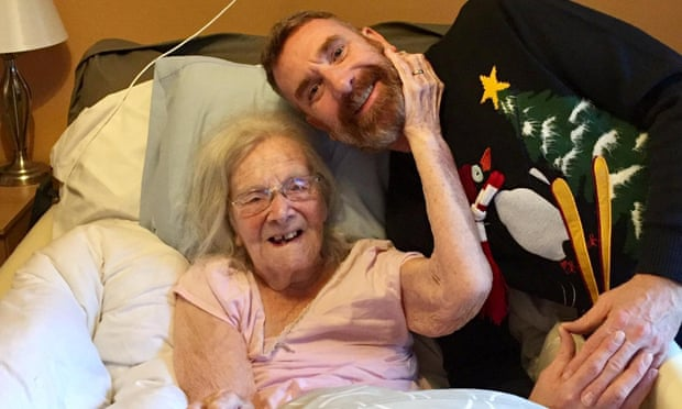 В Великобритании от коронавируса умерла долгожительница, пережившая «испанку»