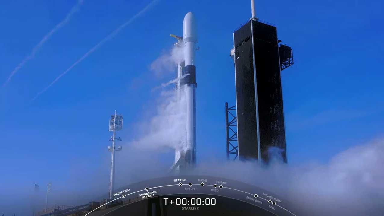 SpaceX остановила запуск ракеты в последние миллисекунды перед стартом (видео)