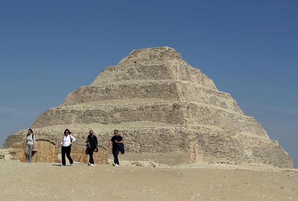 Египет вновь открыл старейшую пирамиду страны для туристов