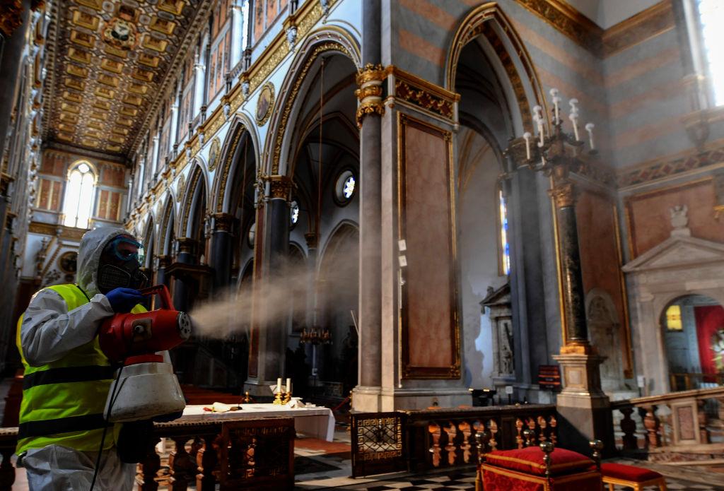 Коронавирус в Италии: вся Ломбардия и еще 14 провинций закрыты на карантин