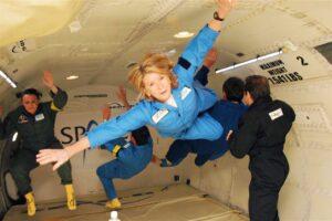 Космический туризм по-бедному: американская компания предлагает испытать невесомость в пределах земной атмосферы