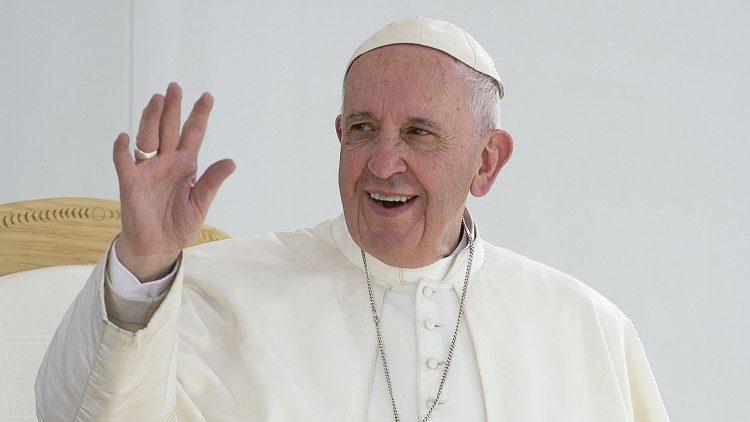 Папа римский перенес проповедь в онлайн из-за коронавируса