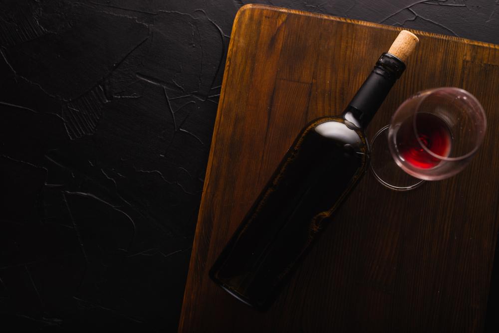 Стеклянная, оловянная (ну почти), деревянная: история винной пробки