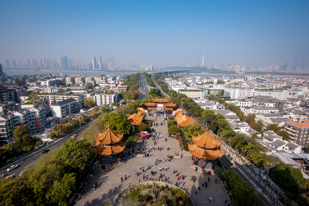 Китай открывает Ухань после вспышки коронавируса.Вокруг Света. Украина