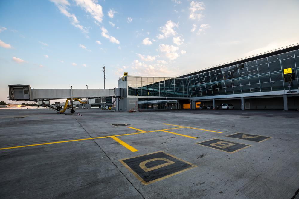 Украина закрывает пассажирское авиасообщение