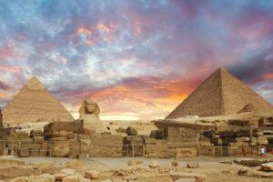 Египетские пирамиды проходят дезинфекцию