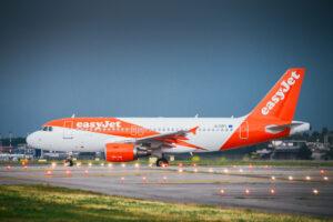 Рейс EasyJet дважды возвращался в аэропорт из-за пьяных пассажиров
