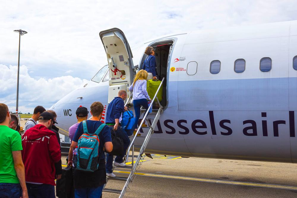Пассажир взломал сайт авиакомпании и бесплатно летал бизнес-классом.Вокруг Света. Украина