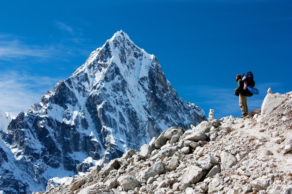 Правительство Непала закрыло Эверест на карантин