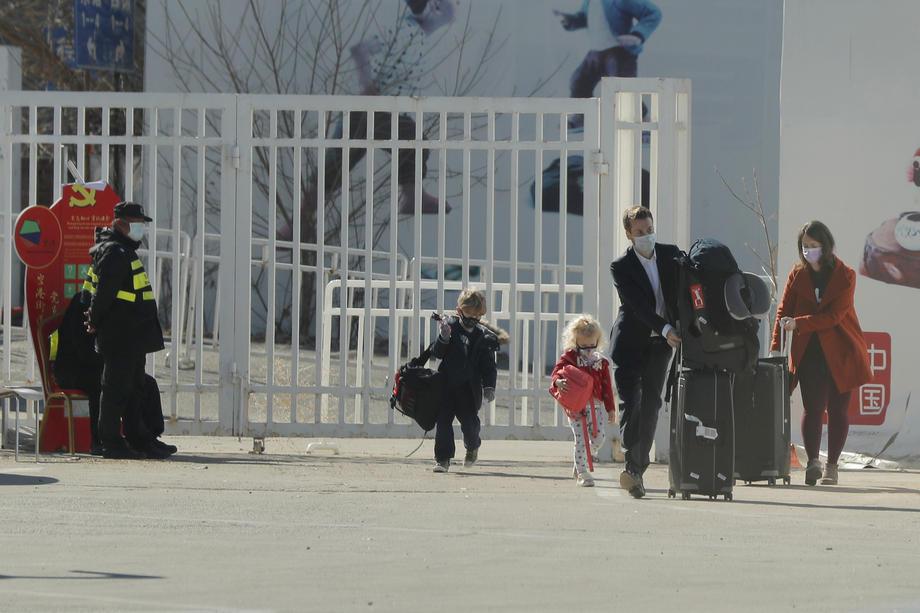 В Китае австралийка лишилась работы из-за бега без маски.Вокруг Света. Украина