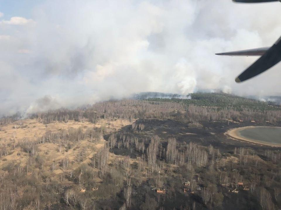 В Чернобыльской зоне тушат лесной пожар