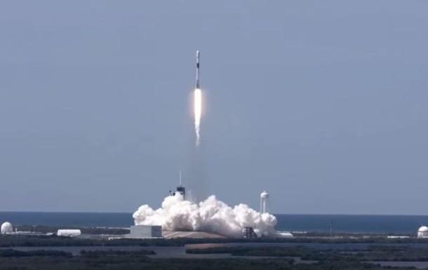 SpaceX вывела на орбиту еще 60 интернет-спутников