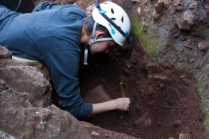 В ЮАР нашли древнейший череп предка человека