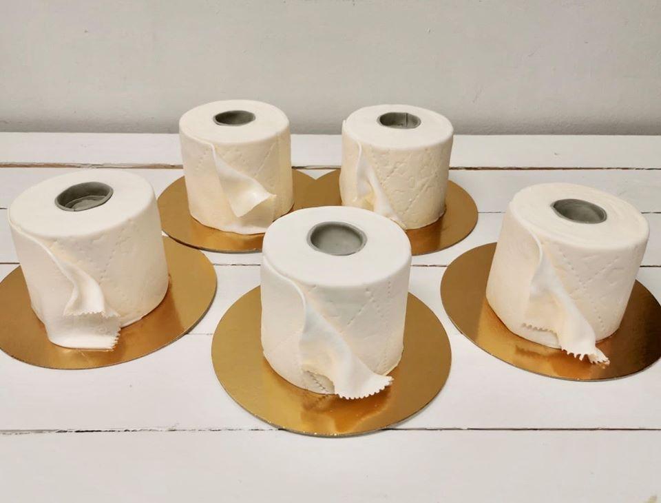 Торты в виде рулонов туалетной бумаги стали популярны в Финляндии