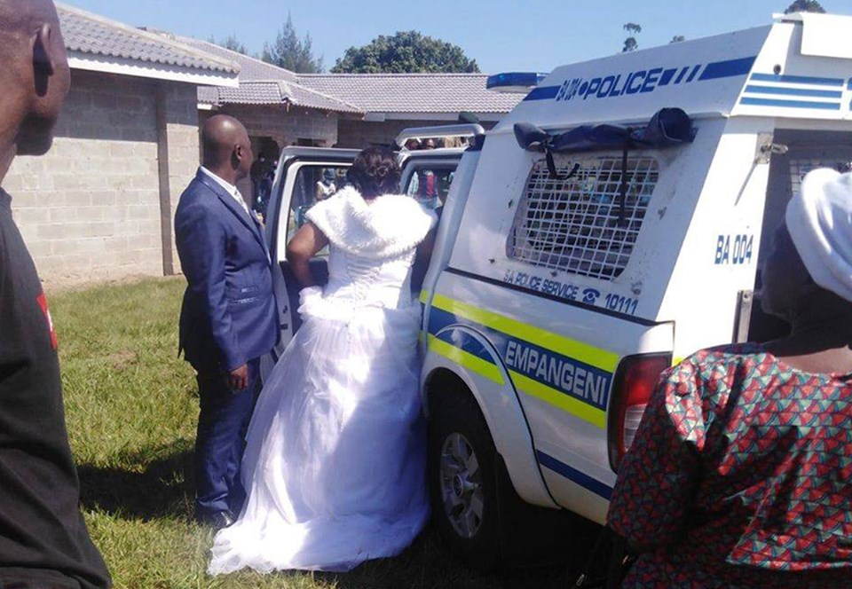В ЮАР за нарушение карантина арестована свадьба.Вокруг Света. Украина