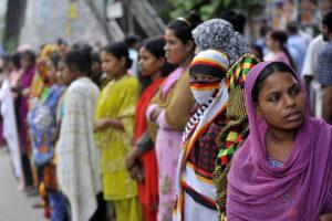 Правительство Бангладеша отправляет продовольственную помощь в бордели