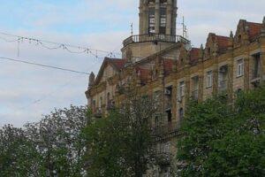 В центре Киева обрушился шпиль исторического здания