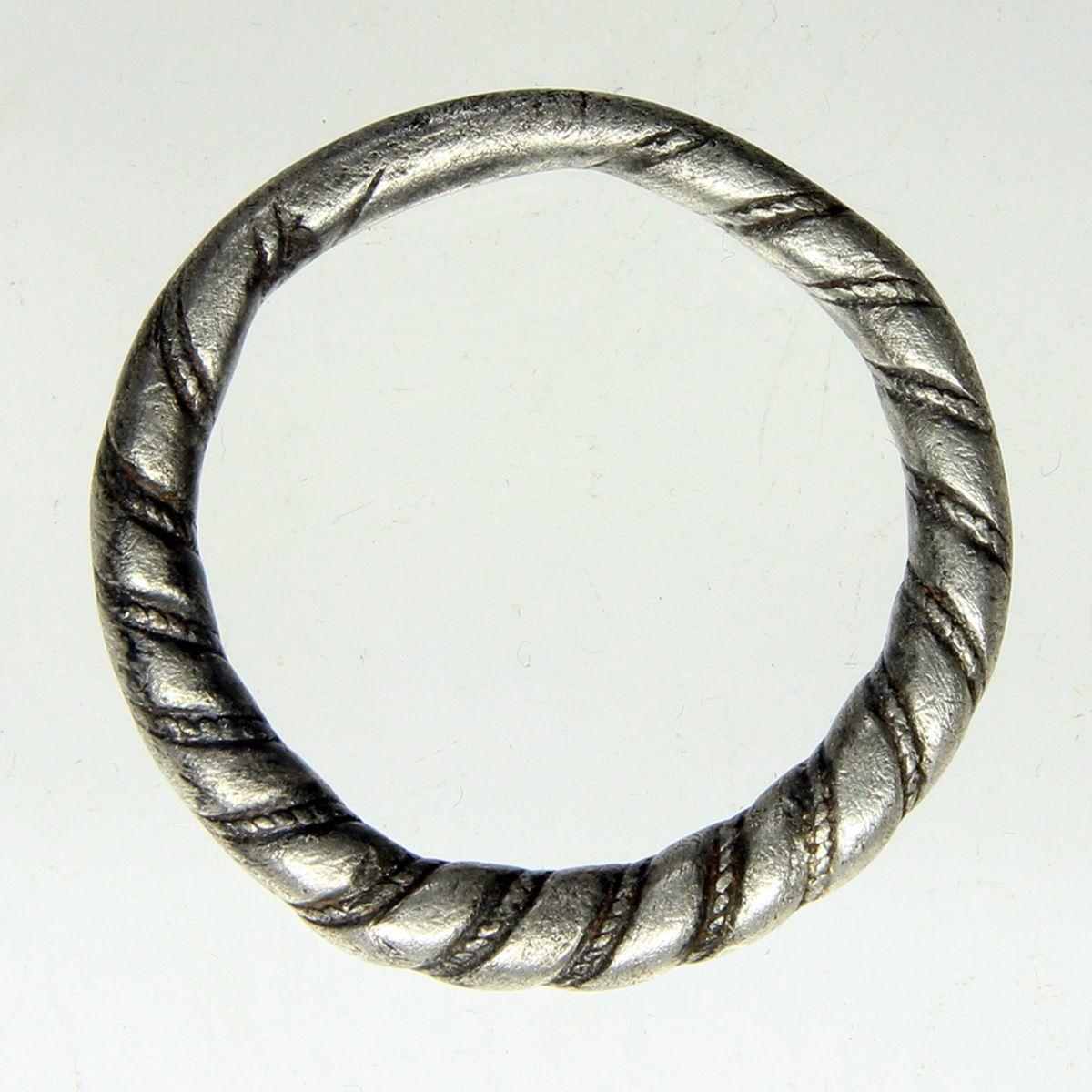 В Нидерландах нашли необычное украшение викингов