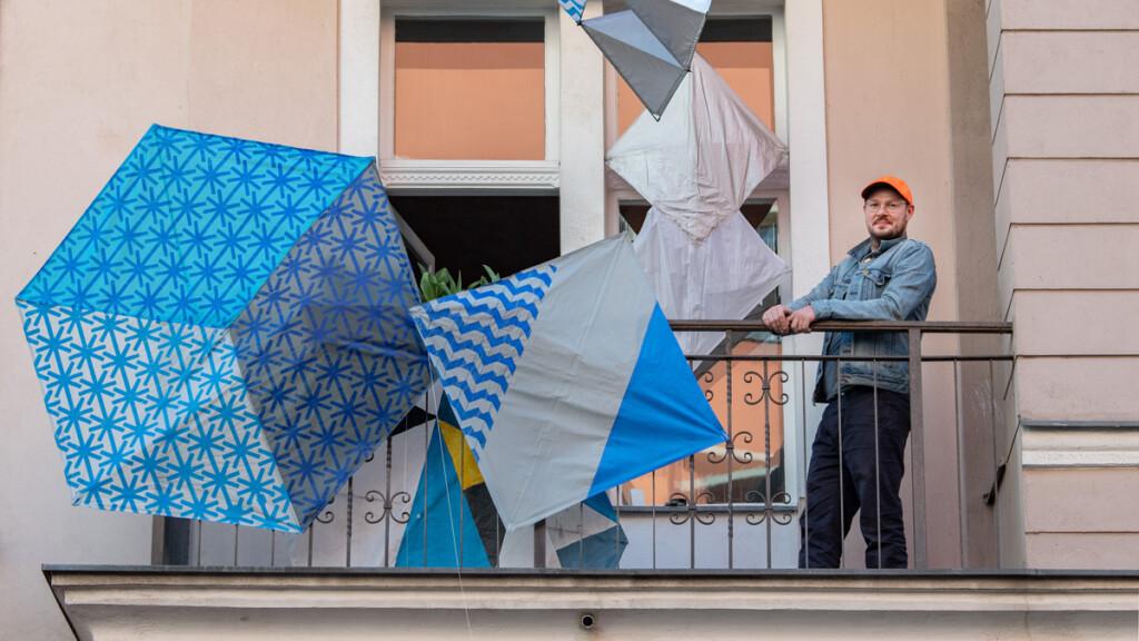 Берлинские художники превратили свои балконы в выставки