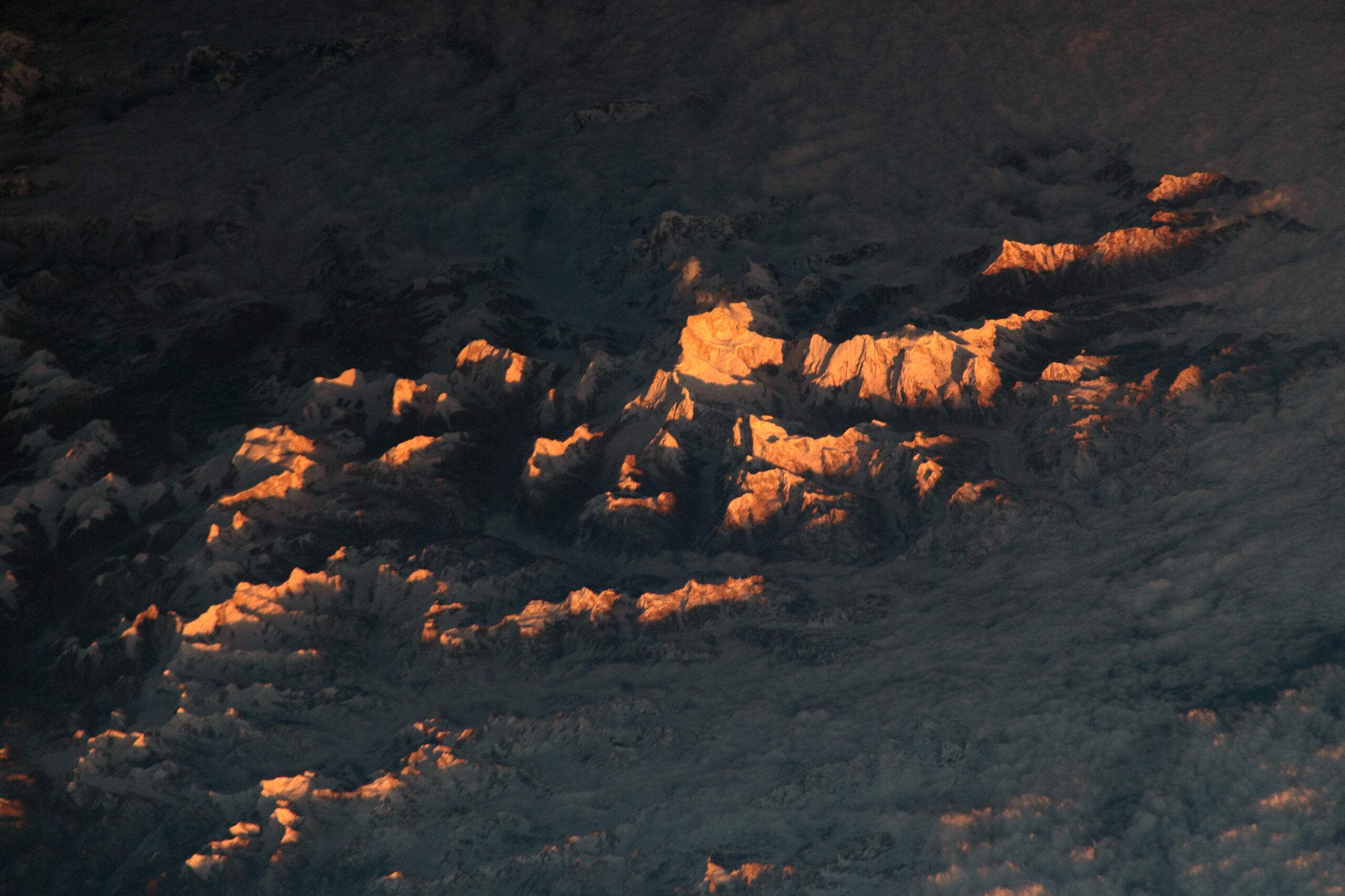 Величественные Гималаи сфотографировали из космоса