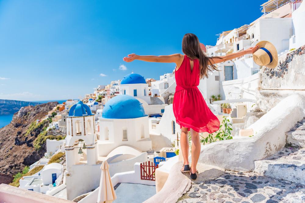 Греция примет туристов в июле с паспортами здоровья