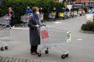 В Италии пенсионерка 11 раз подряд сходила в магазин
