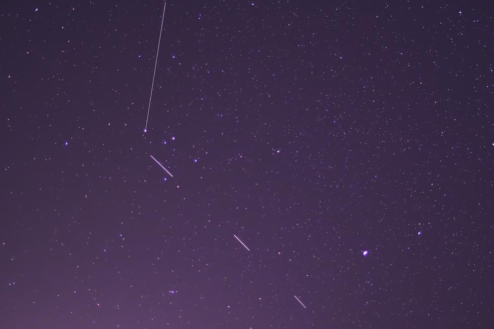 Спутники Илона Маска мешают астрономам наблюдать звезды.Вокруг Света. Украина