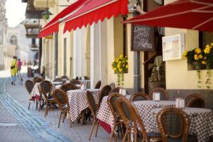 Центр Вильнюса превратится в одно большое уличное кафе?