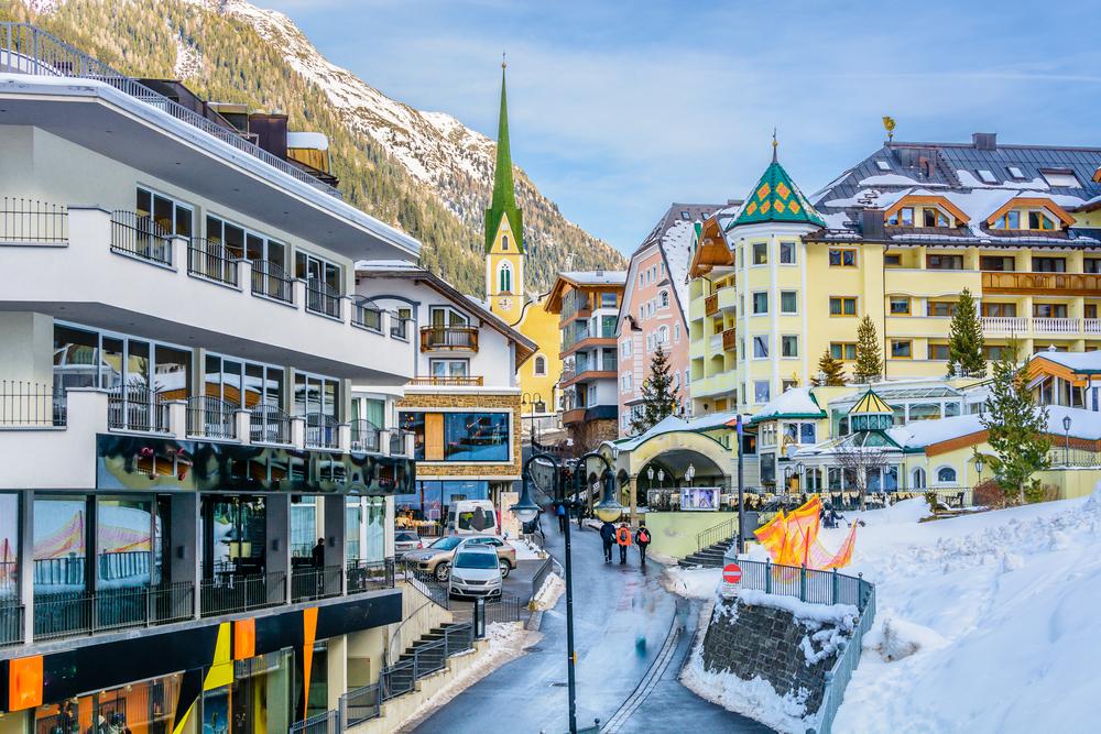 В Австрии 2500 туристов судятся с курортом-рассадником COVID-19
