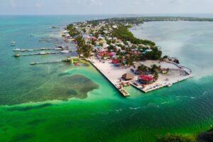 Жителям уединенного острова из-за карантина пришлось добывать пресную воду из воздуха