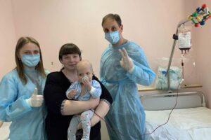 В Украине впервые провели трансплантацию костного мозга от неродственного донора