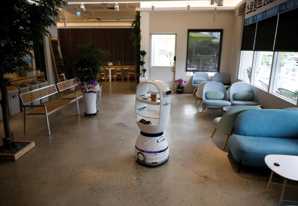 В южнокорейском кафе робот-бариста варит 60 видов кофе