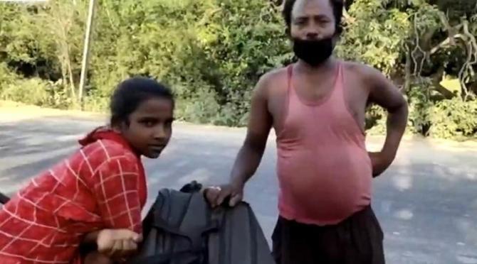В Индии 15-летняя девочка проехала 1200 км на велосипеде