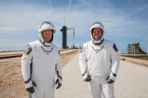 Астронавты отрепетировали первый пилотируемый полет на корабле Маска