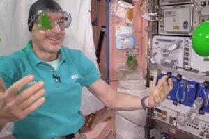 Астронавты на МКС провели эксперименты с «лизунами»
