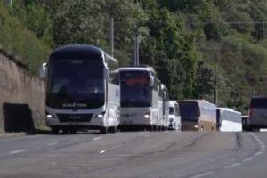 В Праге туристические автобусы устроили демонстрацию