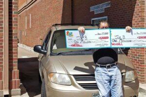 Мужчина дважды выиграл в лотерею по миллиону долларов за один день