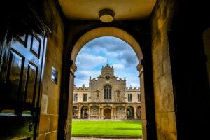 Кембриджский университет переводит лекции в онлайн до лета 2021