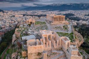 Открытие Акрополя и дроны на пляжах: как смягчают карантин в Греции